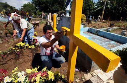 20121103025305-600x400-1351888310-cementerios-de-managua.png.jpeg